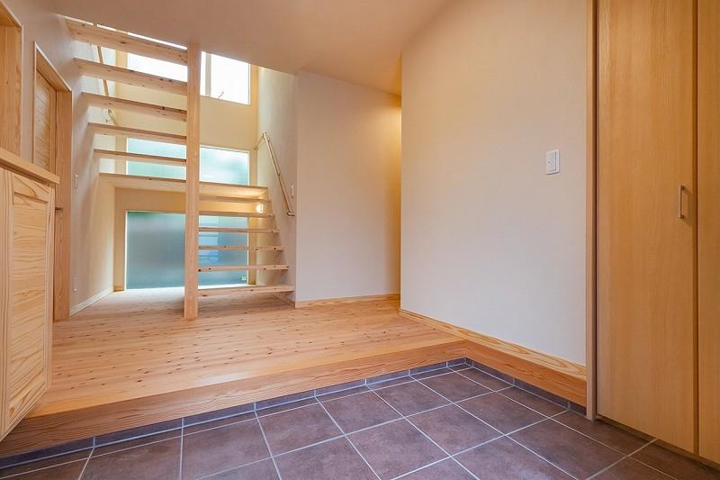 2世帯住宅でプライベートも確保されご家族皆でゆったり住める ...